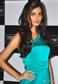 diana-penty-at-tresemme-hair-products-launch-(3)7956