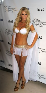Jenny McCarthy - hosts the 4th annual Midsummer Night's Dream, Las Vegas, 08/14/2010