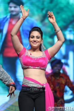 aksha-pardasany-hot-dance-at-aadu-magadura-bujji-audio-launch-10