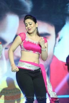 Aksha-Pardasany-Photo-and-Dancing-Images-04