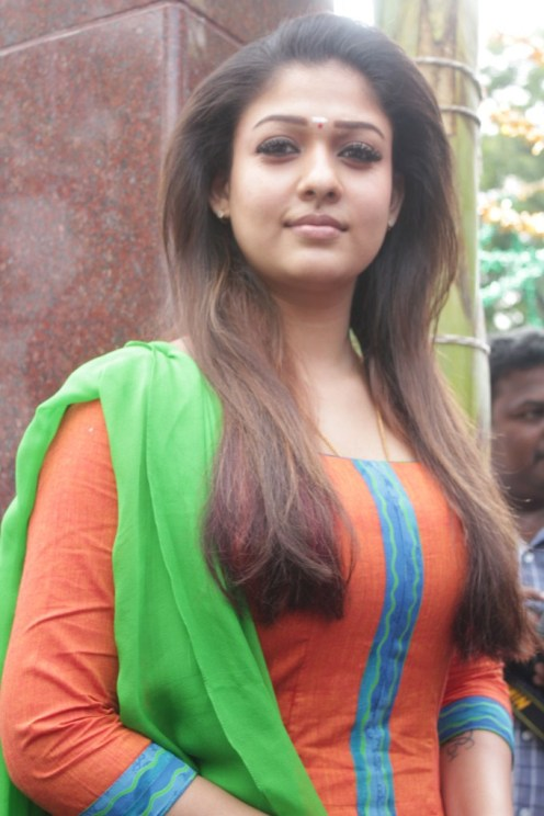 Nayantara-Height-Weight-Body-Measurements-Bra-Dress-Sizes-Bio-Age-Boyfriends