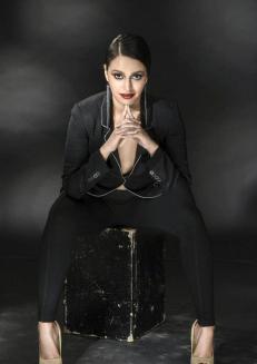 swara-bhaskar-hot-photoshoot8