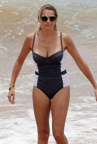 teresa-palmer-in-bikini-at-a-beach-in-hawaii-06-02-2015_8