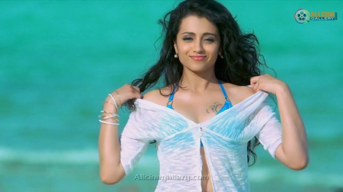 Trisha-Hot-Bikini-Images-At-Aranmanai-2-Movie-02