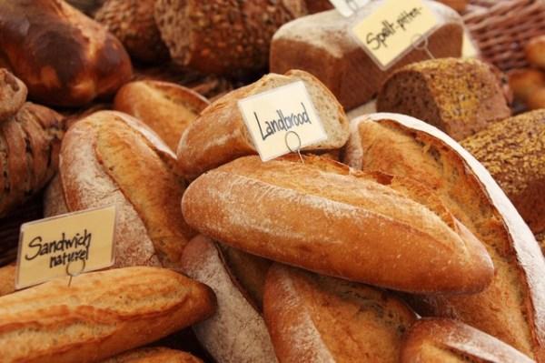 硬くなったフランスパンで作るパンプディングのレシピ