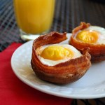 EASY Eggs, Bacon & Toast Muffins