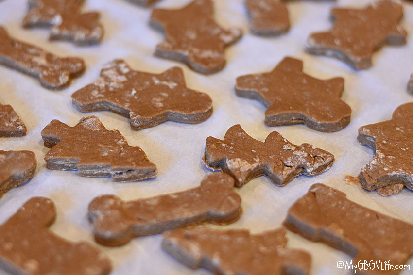 My GBGV Life Let's Bake Christmas Gingerbread Cookies For Dogs