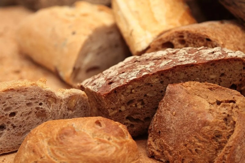 Different varities of bread
