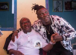 Stonebwoy pays courtesy call on Chief of Elmina | See Photos + Video