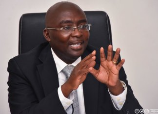 Bawumia mocks NDC for renting fake spare parts dealers
