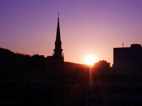 Un coucher de soleil hivernal à Montréal