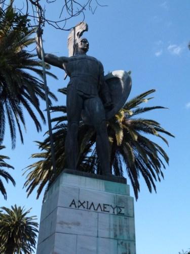 Statue héroïque grecque