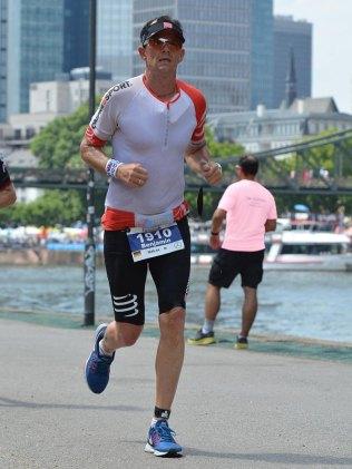 Hatte in jeder Laufrunde Spaß mit seiner Familie –Benjamin während des abschließenden Marathons. Foto: privat