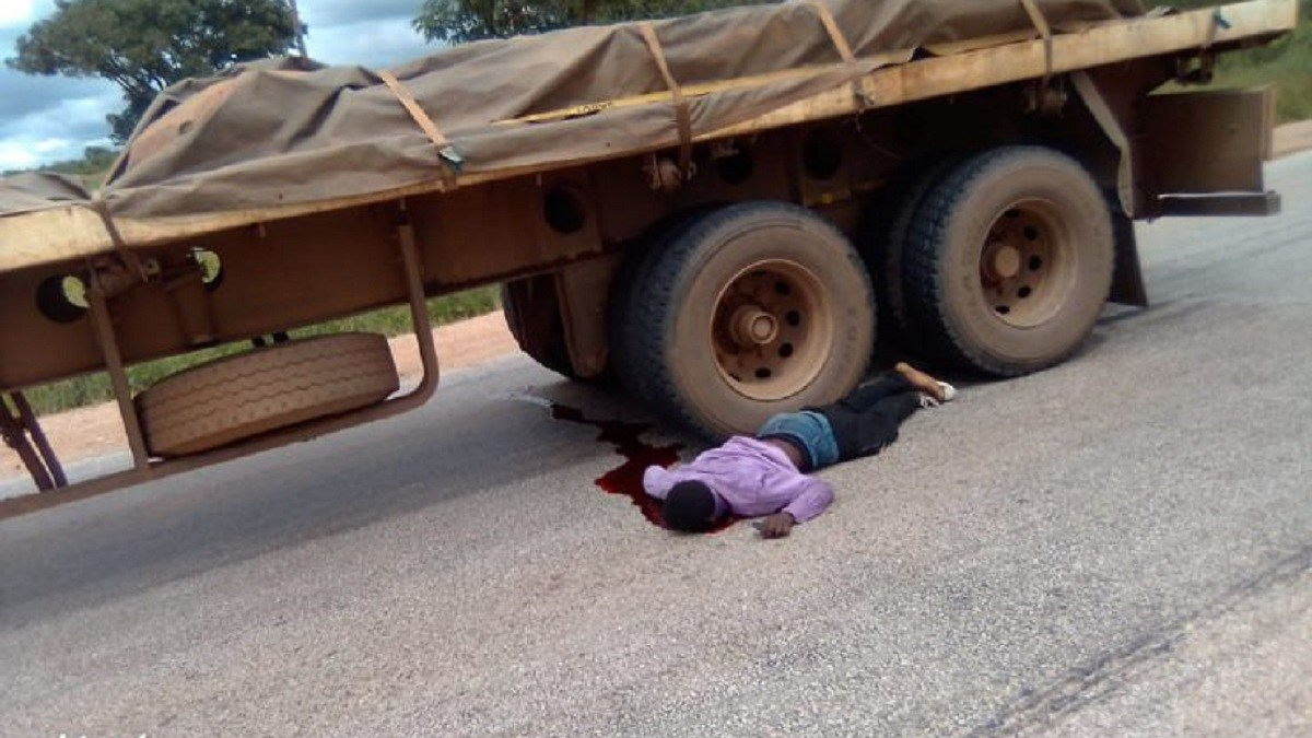 Tragedy as Man Throws Himself Under a Moving Truck