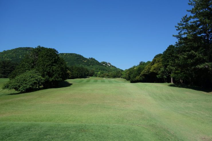 Hole 17, Par 4, 354m at Kawana FUJI course