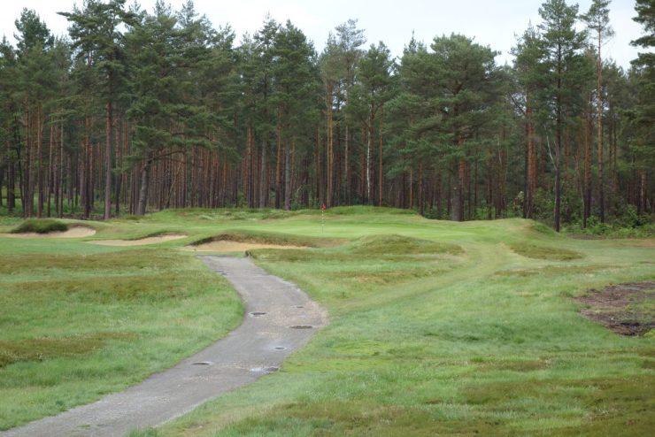 Hole 13, Par 3, 152m