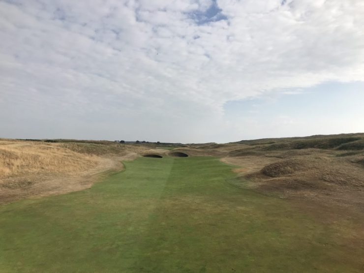 approach shot to hole 6 Royal Aberdeen