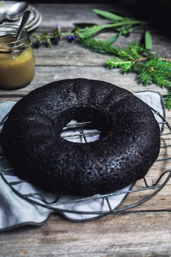 vegan chocolate gingerbread bundt cake 1