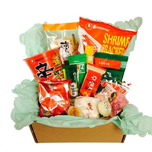 Classic Asian Snack Box (20 Count) College Care Package | Office Break Room | Party Snacks | Military Care Package | Japanese Chinese Korean Snack
