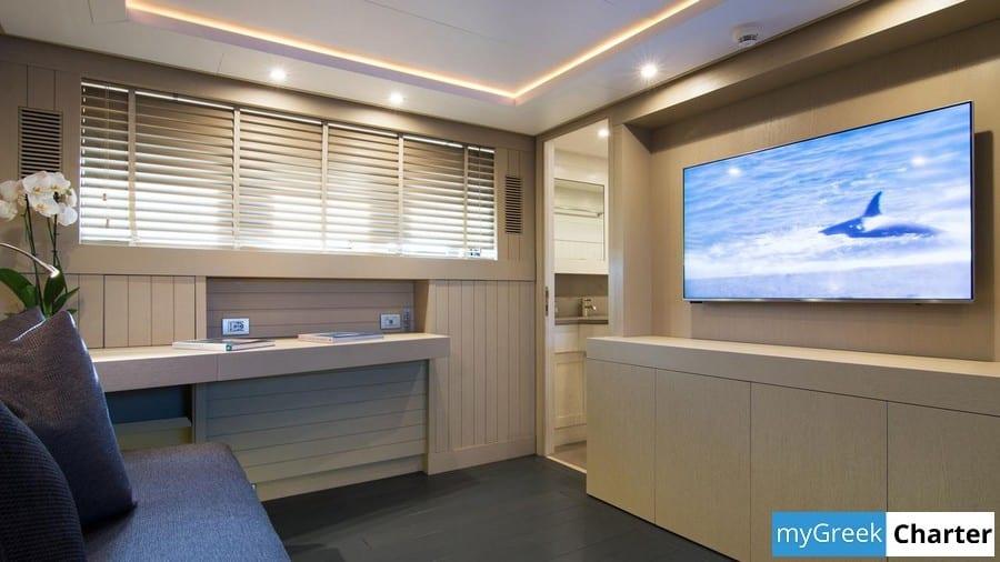 REGINA K yacht image # 16