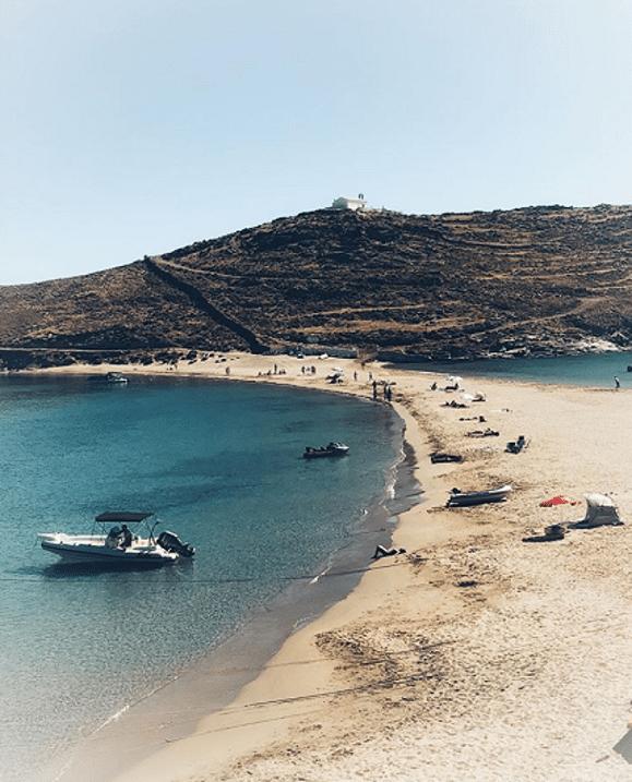 Kolona Beach, Photo by: fnikolopoulos (Source: Instagram)