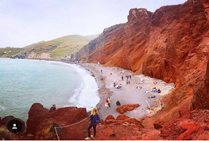 Red Beach, Photo by: frenchtouchtravellers (Source: Instagram)