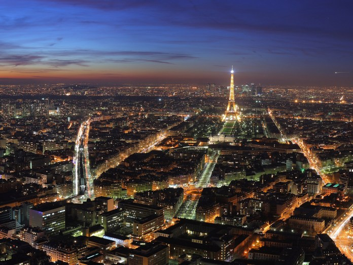 Photo Credit: http://www.dreamwallpapers.co.uk/wp-content/uploads/2010/06/paris-night-view.jpg