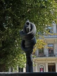 Carl Fredrik Reuterswärd sculpture