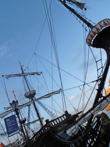 tour ship