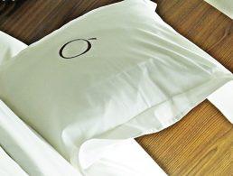 hotel-pillow