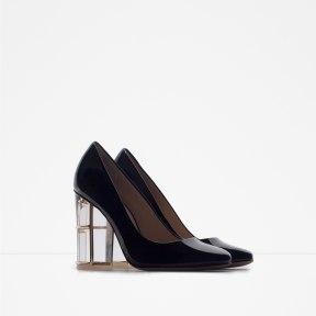 http://www.zara.com/it/it/donna/scarpe/scarpe-con-tacco/d%C3%A9collet%C3%A9-dettaglio-tacco-c269195p2926116.html
