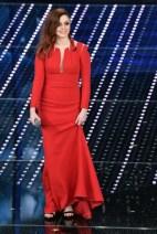 annalisa-in-abito-rosso-mario-dice