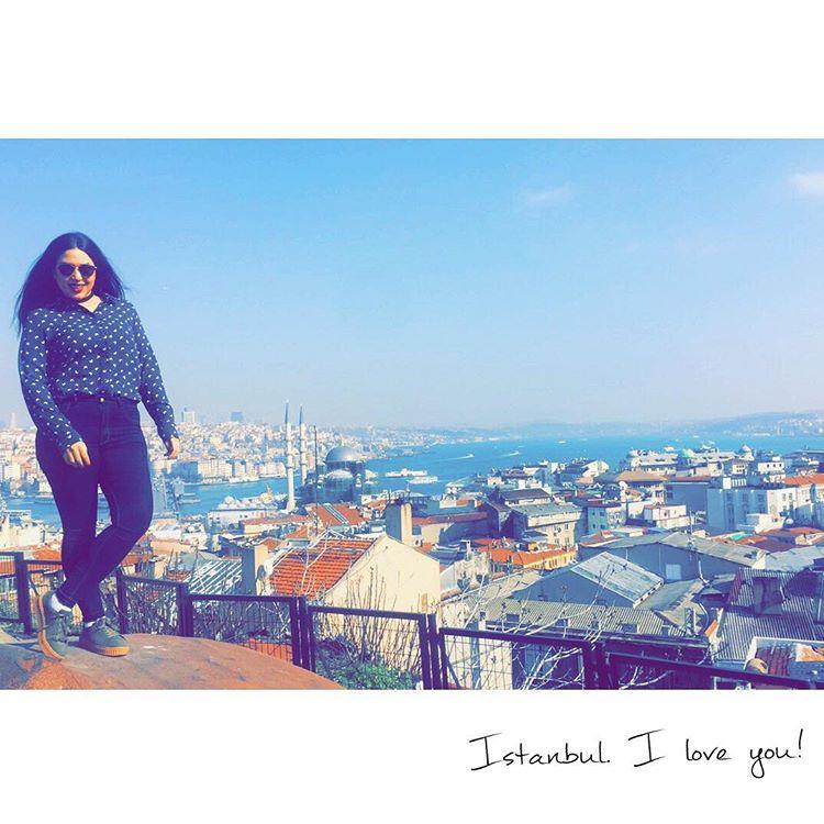 Par cette photo symbolique sur les hauteurs dIstanbul jaimerais remercierhellip