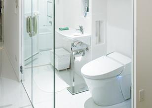ガラス貼り浴室