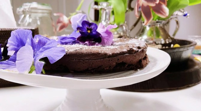 The best flourless chocolate cake recipe ever