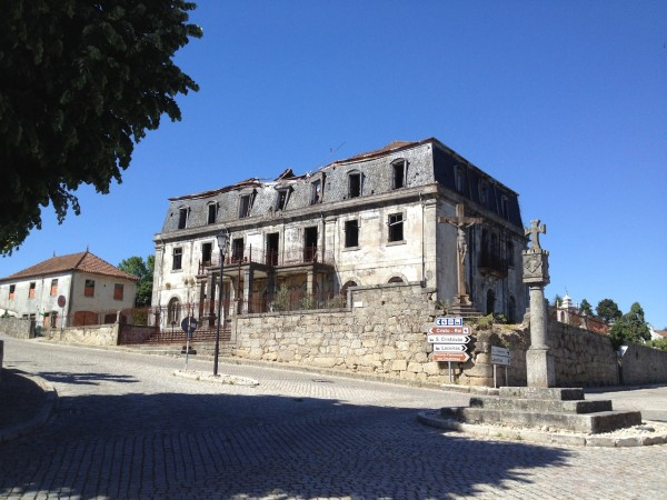 Aristides de Sousa Mendes House/Casa from the front roof is caved in
