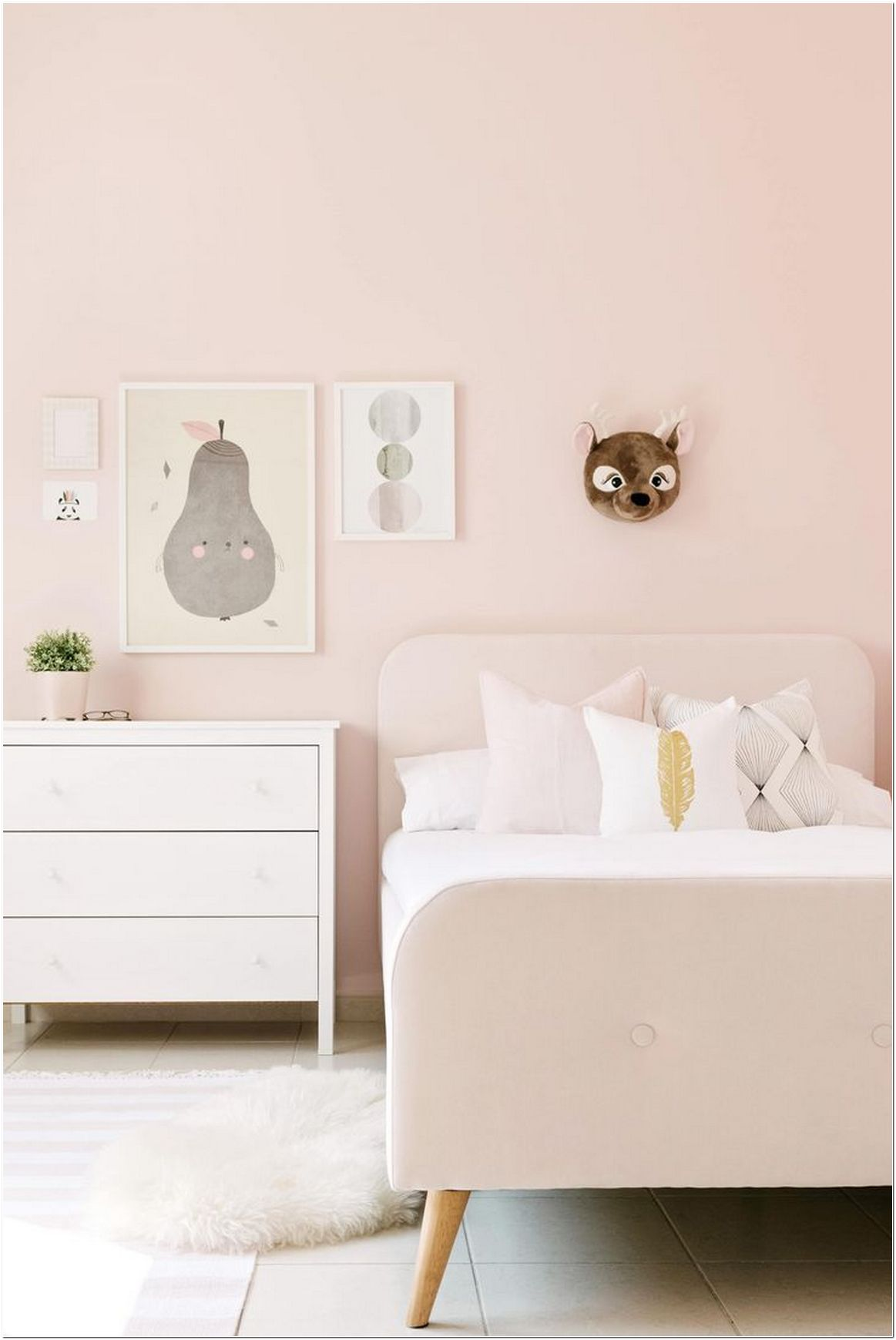 77 Blush Pink Bedroom Wall Decor Ideas That Aren T Too Girly Myhomeorganic