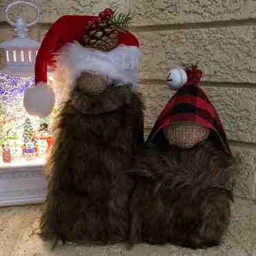 DIY Fur Gnomes