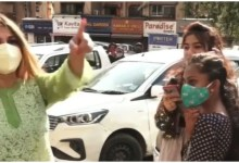 Photo of Video Viral: Girl was celebrating Eid on the road without mask, Rakhi Sawant scolded a lot