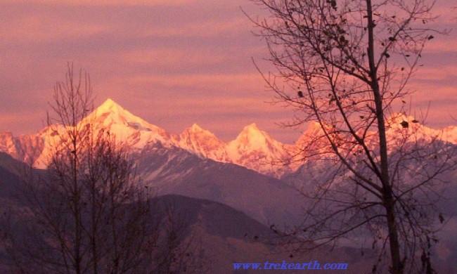 """Trekking Darma Valley hasta Panchachuli Base Camp"""