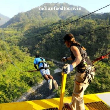 ¡Practica Bungee Jumping en India!