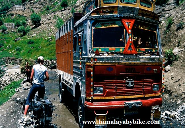 """""""Tips para una ruta en bici por el Himalaya"""""""
