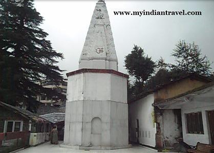 Templo Bhagsu Nag, para perderse en medio de la naturaleza