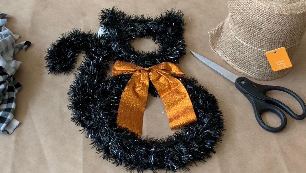 Halloween Decorations DIY: Dollar Tree Tinsel Cat | My