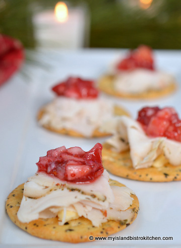 Chunky Cranberry Salsa Hors d'oeuvres