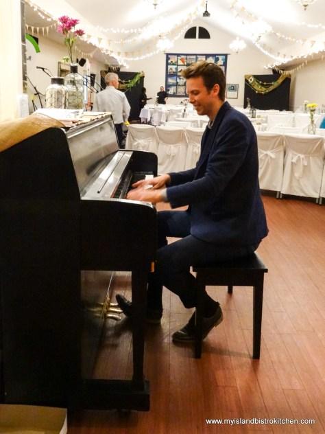 "Pianist Max Keenlyside entertains at ""Taste of Georgetown"" event 2017"
