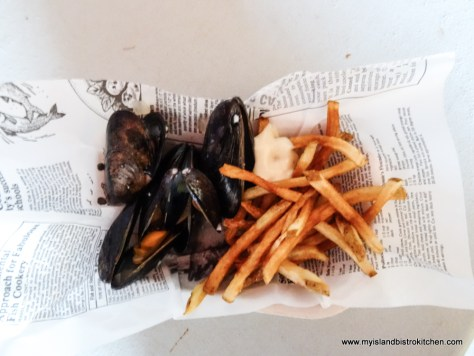 Moules Frites (Mussels with Fries)