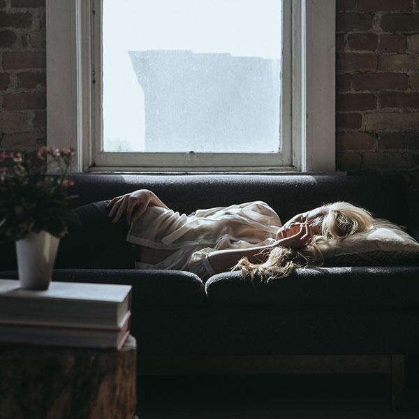 cambia posizione Lista dei 14 rimedi per smettere di russare che funzionano realmente