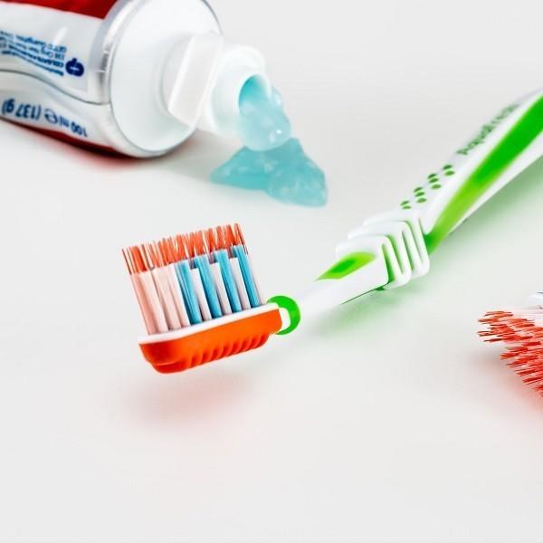 Gli errori più comuni da evitare quando si pulisce casa. Spazzolini