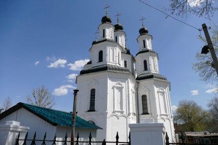 Спасо-Преображенский собор, Изюм - декор выполнен из лекального кирпича, употребляемого для избежания притески.